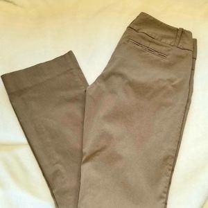 The Limited Exact Stretch tan khaki pants 4 L Long